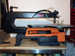 WEN 3920 16-Inch Two-Direction Variable Speed Scroll Saw Full View